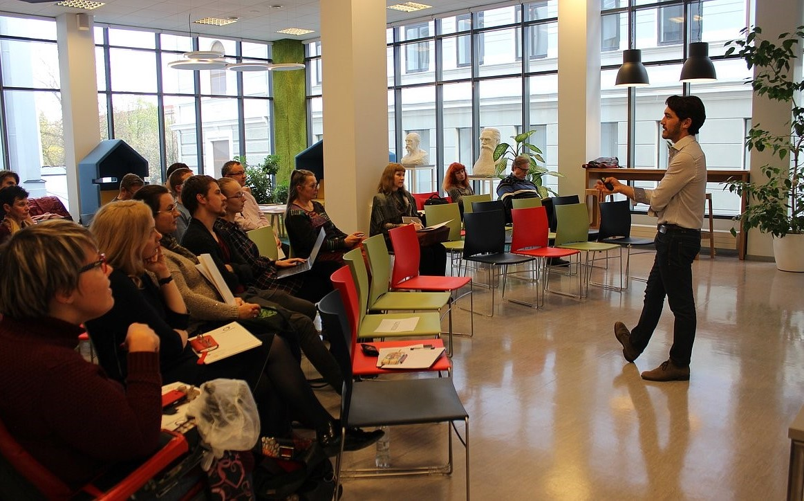 Educating the scientific society in Latvia during the Open Access Week 2018: rolling the right way